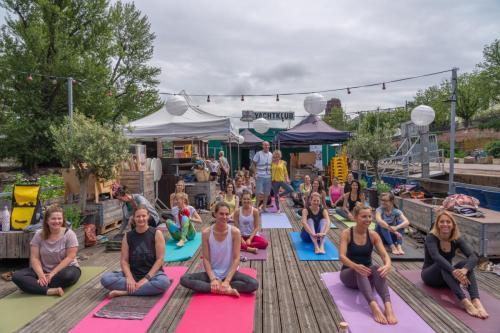 Yoga im Yachtklub012
