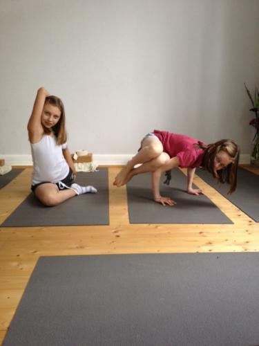yoga-kinder